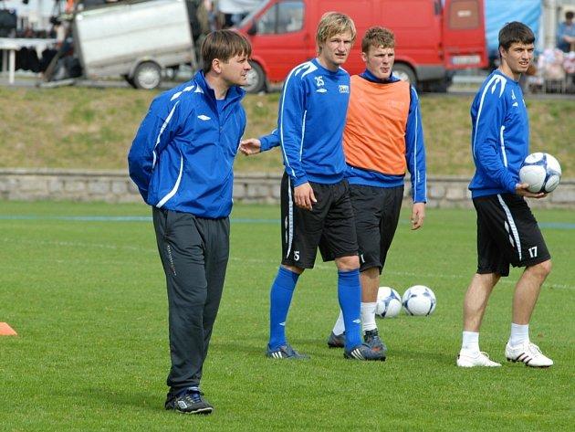První trénink boleslavských fotbalistů pod Dušanem Uhrinem