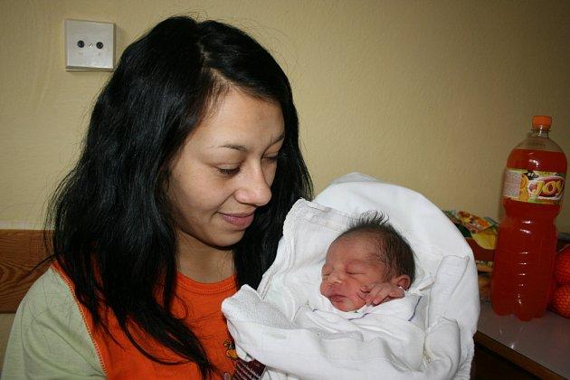 Stellinka se narodila 13. ledna, vážila 2,8 kg a měřila 47 cm. Jejími rodiči jsou Tereza a Miroslav Kováčovi z Kláštera. Doma se těší sestra Anetka.