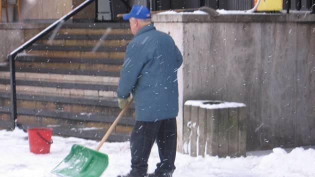 Únorová sněhová peřina pokryla mladoboleslavské ulice.