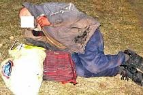 Lidé bez domova nemají lehký život, je jich stále víc...