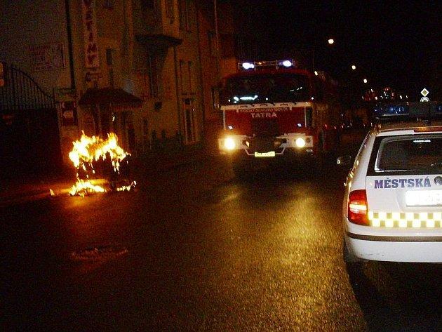 Požár popelnice v Mladé Boleslavi.