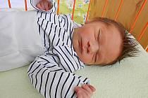 Miguel Bil se narodil 1. listopadu, vážil 2,6 kg a měřil 45 cm. Maminka Jessica a tatínek Marek si ho odvezou domů do Benátek nad Jizerou, kde už se na něho těší bráška Rodrigo.