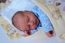 ELEN Párová se narodila 1. června, vážila 3,28 kilogramů a měřila 48 centimetrů. Domů do Dlouhé Lhoty si ji odveze maminka Aneta, tatínek Jiří a sestřička Laurinka.