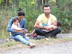 Syrská rodina si v sobotu přijela pro svého příbuzného. Propustili ho až v neděli.