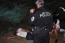 Útočník bude čelit obvinění, za své počínání ale už pykal.