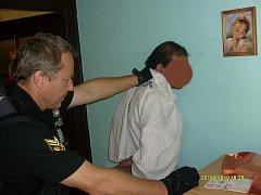 Ilustrační foto. Zadržení zloděje, který se vloupal do rodinného domku v Mladé Boleslavi.