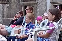Děti na zámku v Bělé zhlédly pohádku od Zdeňka Svěráka