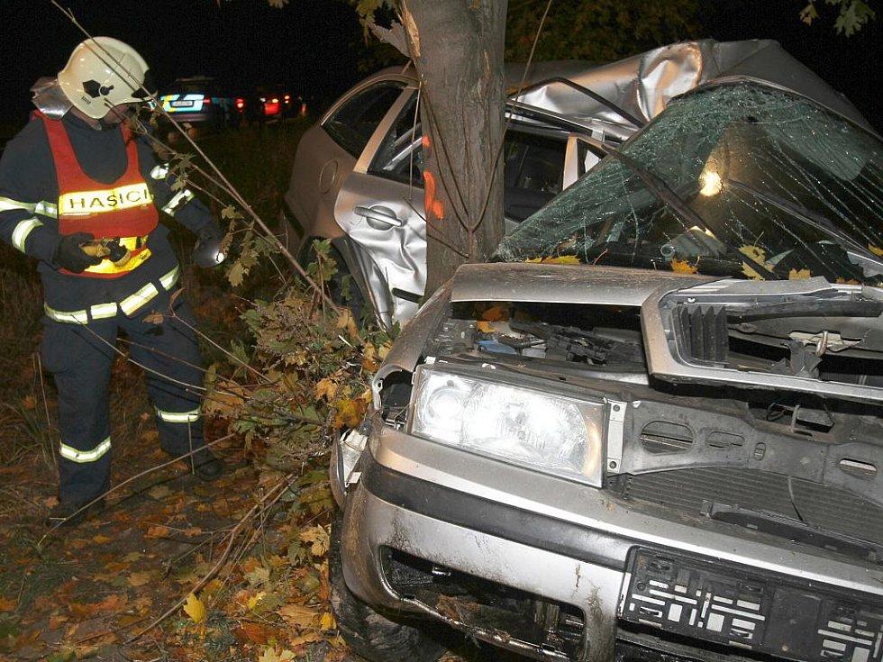 Smrtelná nehoda u Bělé pod Bezdězem.