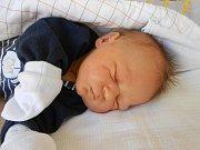 Petr Štěpán se narodil 8. dubna, vážil 3,87 kg a měřil 51 cm. Maminka Kristýna a tatínek Petr si ho odvezou domů do Řepova.
