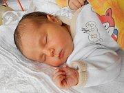 Petr Demčák se narodil 31. prosince s mírami 3,4 kg a 50 cm. S maminkou Evou a tatínkem Peterem bude bydlet v Mladé Boleslavi, kde už se na něho těší bráška Jakub.