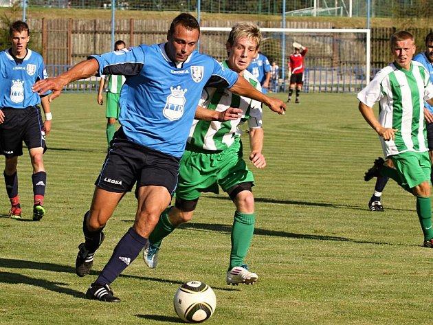Krajský přebor: FK Dobrovice - Polaban Nymburk