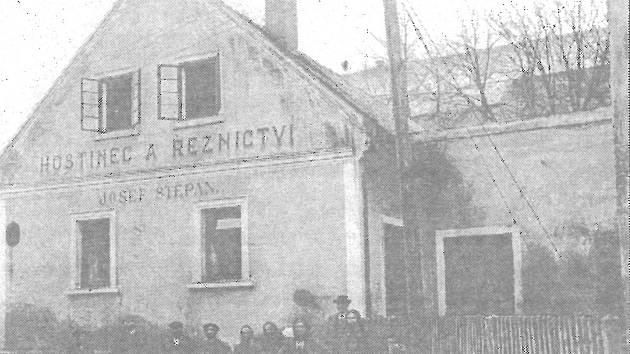 Hostinec a řeznictví Josefa Štěpána koncem 20. let 20. století.