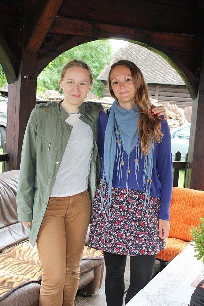 DAGMAR WIKÁRSKÁ a Sabina Tučková, dvě koordinátorky, které dva týdny pomáhaly řídit dobrovolnou práci.