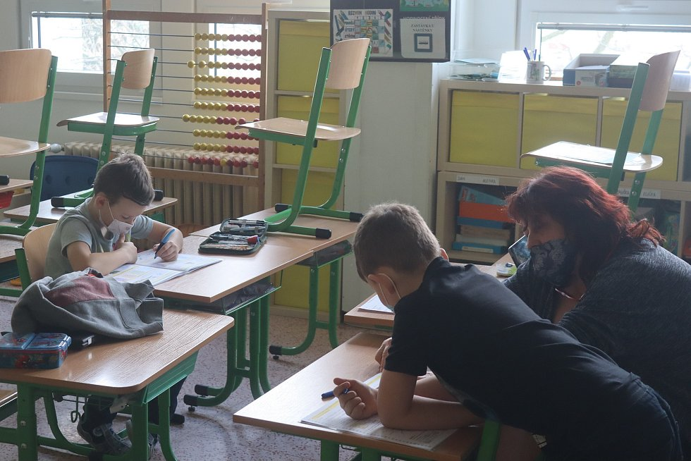 Pátá základní škola v Mladé Boleslavi nebyla po celou dobu lockdownu tak úplně bez dětí. Starali se tu o potomky zaměstnanců IZS.