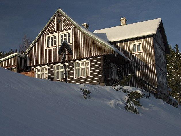 """L""""yžařská chata Erlebach poskytuje skvělé zázemí pro sport i rekreaci."""