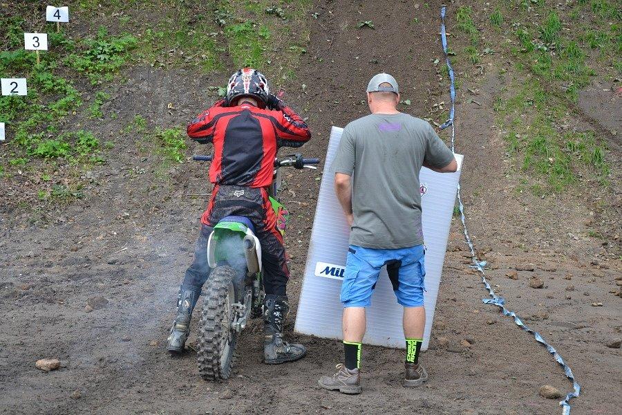 Ve střeleckém areálu v Mladé Boleslavi konal již čtvrtý ročník Chibuk Hill Busters, závodu do strmého kopce.
