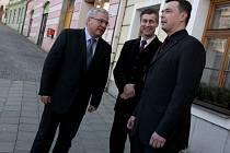 Poslanec Evropského parlamentu Jan Březina se setkal se starostou Ivem Uhrem a místostarostou Janem Karasem.