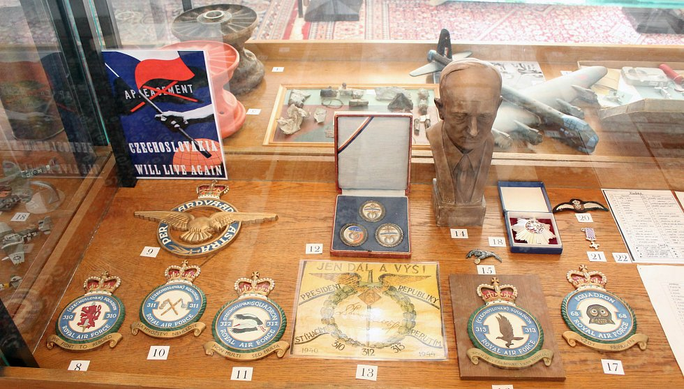 Muzeum československých letců v RAF na zámku v Polici u Jemnice.