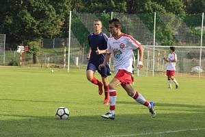 Fotbalisté HFK Třebíč získali v sezoně první bod, remizovali v Bedřichově 3:3.