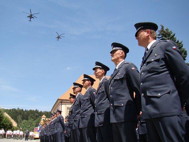 Vrtulníky proletí opět nad Náměští.