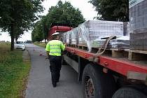 Na výpadovce z dálnice nedaleko Náramče kontroloval kamiony zvláštní policejní tým Kamion.