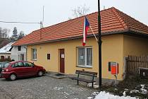 Místní část Třebíče, víska Sokolí, má volební místnost v hasičské zbrojnici.