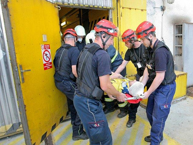 V Jaderné elektrárně Dukovany nacvičovali, jak se zachovat při mimořádné události, kdy by unikla radiace kvůli netěsnosti primárního jaderného okruhu.