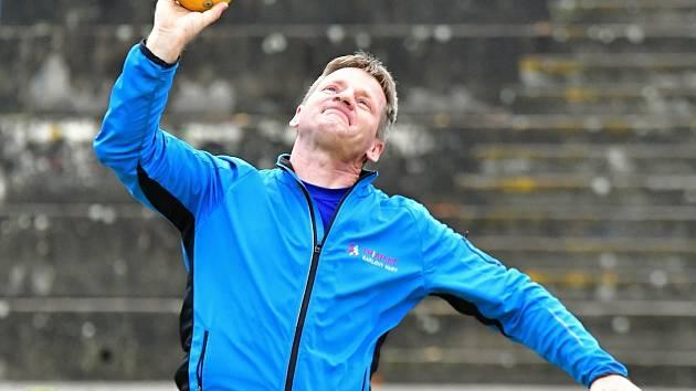 Třebíčský atlet Vilímek vede po úvodním závodě české tabulky ve vrhu koulí