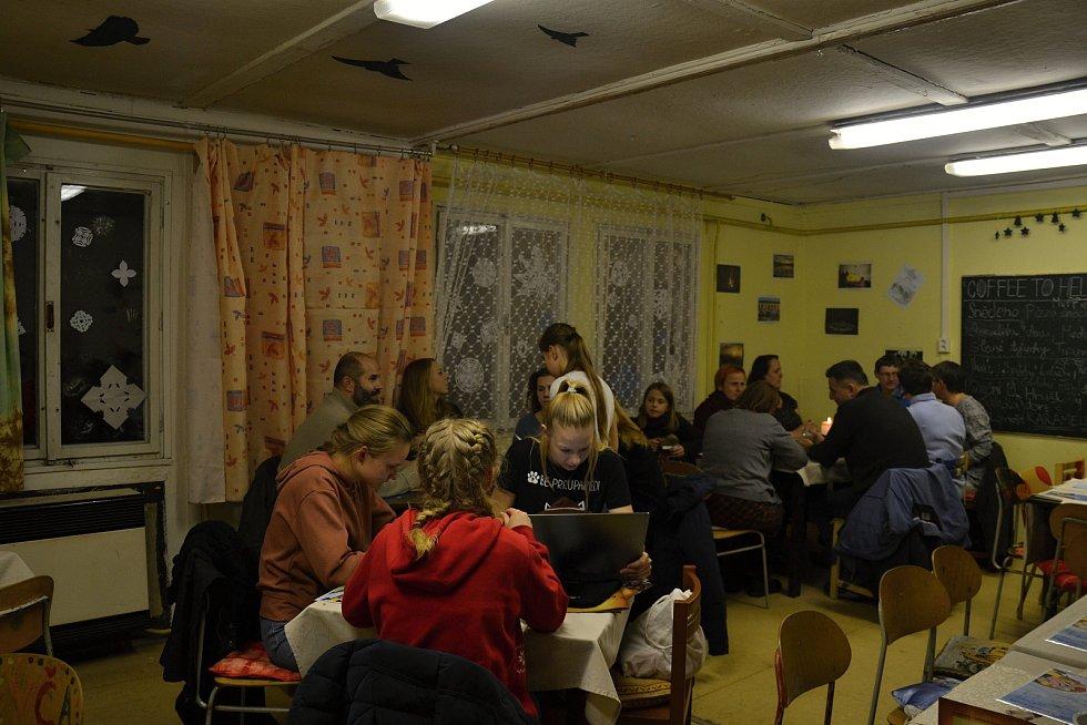Skautská kavárna je tradiční vánoční akce, letos se koná už osmý ročník.