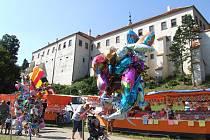 Podzámecká niva v Třebíči od sobotního rána žije Středověkými slavnostmi – oslavami UNESCO.