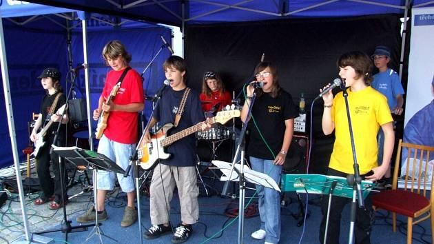 FUNKIDS. Parta čtrnáctiletých muzikantů z Moravských Budějovic chce proniknout na hudební stanici Óčko.