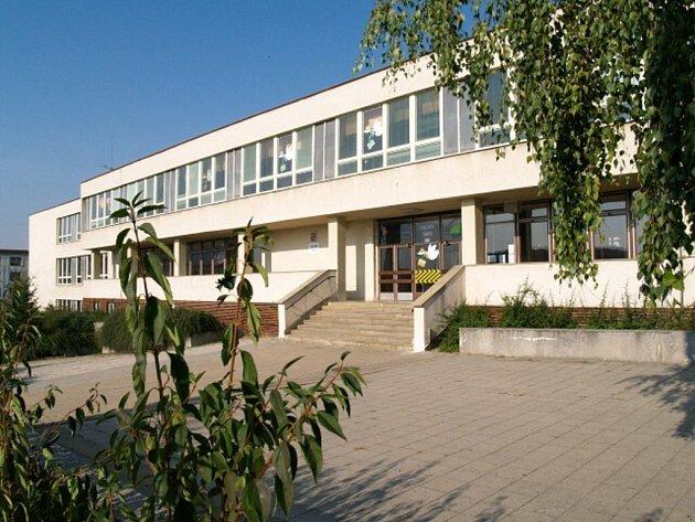 Základní škola Kpt. Jaroše chce vybudovat v nevyužité bývalé kotelně centrum pohybových aktivit.