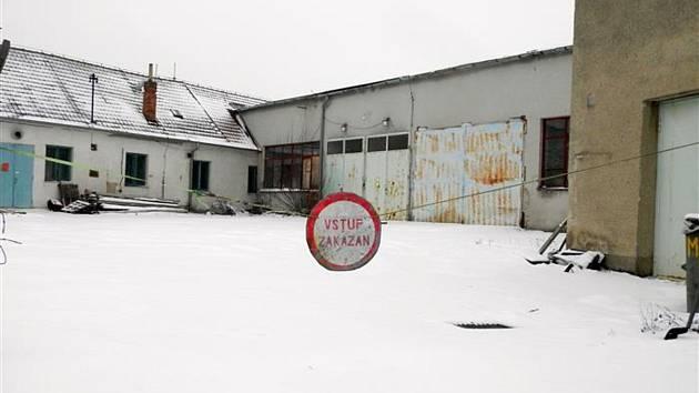Opuštěný areál bývalého truhlářství v Nádražní ulici, do kterého chce přesídlit Via Alta.