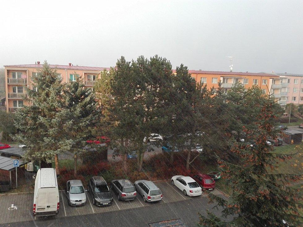 Sněžení v Třebíči.