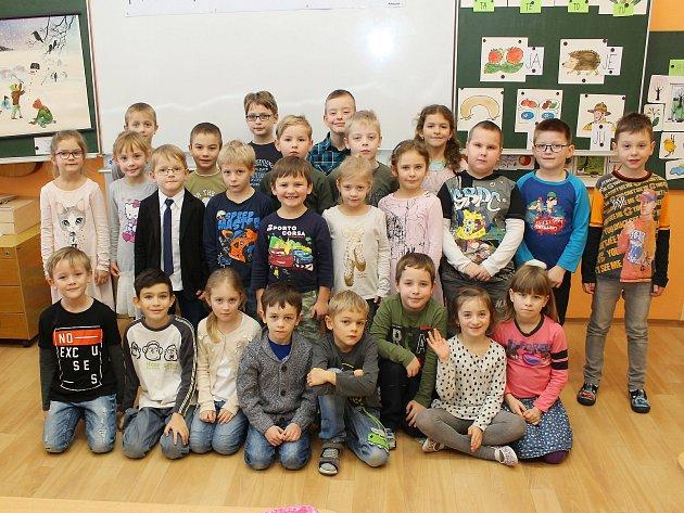 Na fotografii jsou prvňáčci ze Základní školy Bartuškova vTřebíči, třída 1.A.
