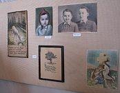 Unikátní výstavou 3/5 Strnadi zahájilo v pátek novou sezonu Muzeum řemesel v Moravských Budějovicích. Při ní se na jednom místě podařilo zveřejnit díla pěti výtvarníků z jedné rodiny.