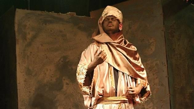OBRAZEM: Ochotníci nadchli diváky premiérou Kupce benátského