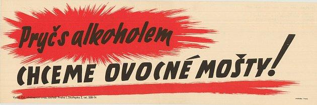Výstava plakátů propagující zdravý životní styl vMuzejním výdejním okýnku vTřebíči. Protialkoholní plakát zdruhé poloviny 40.let.