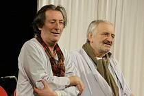 Divadlo Kalich připravilo v koprodukci s Divadlem Bolka Polívky a bratislavským Studiem L+S hořkou komedii Mínus dva francouzského dramatika Samuela Benchetrita.