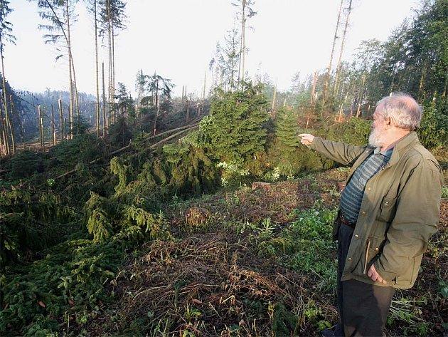 Středeční bouře, která se prohnala Vysočinou, způsobila škody hlavně na Přibyslavsku a v okolí Šlapanova. Minimálně desítku výjezdů museli do těchto oblastí absolvovat hasiči.