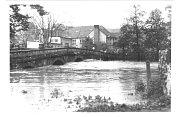 Povodně. Velká voda na řece Oslavě hodně řádila v roce 1985.