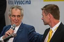 Návštěva prezidenta republiky Miloše Zemana ve firmě Fraenkische v Okříškách.