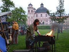 O víkendu pořádalo občanské sdružení Bratrstvo Keltů svůj Beltine na zámku v Jaroměřicích nad Rokytnou. Přijelo dvanáct stovek lidí, v zámecké zahradě vyrostlo stanové městečko.