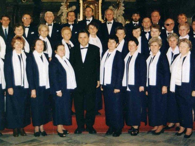 Pěvecký sbor vznikl roku 1895, kdy jej založil P. Josef Peksa.