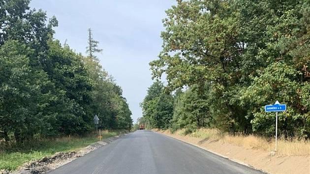 Silnici mezi Hrotovicemi a Slavěticemi opraví silničáři během dvou let.