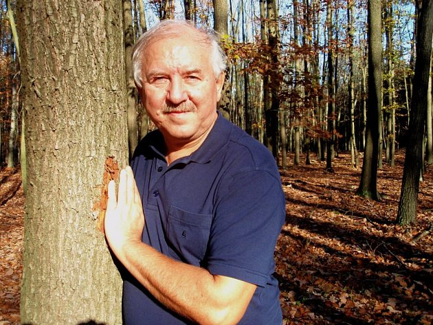 Petr Štrompf říká, že se narodil čtyřikrát. Proto dokáže život vnímat s nadhledem.