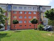 Nový výtah si užívají obyvatelé cihlového bytového domu v Družstevní ulici v Třebíči. Foto: Zdeněk Veškrna
