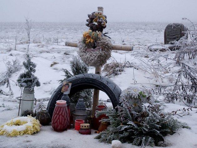Pomník U Markovky připomíná místo nehody