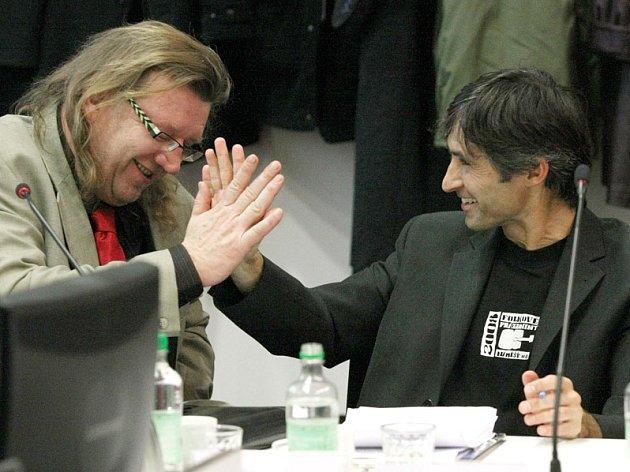 Úspěšné Břehy. Milan Šťastný a Milan Zeibert mohou slavit.