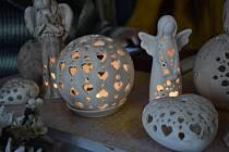 Na výběr jsou lucerny s nejrůznějšími motivy